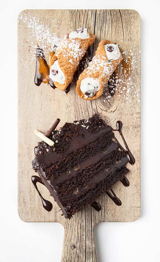 Cannoli et gâteau triple chocolat